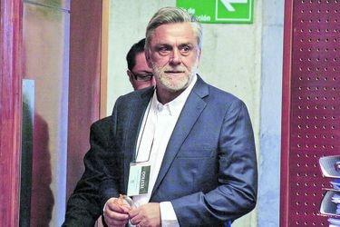 "Longueira reaparece y acusa a políticos de ""cobardes"" e ""hipócritas"""