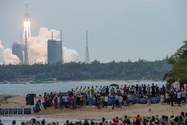 Restos de cohete chino finalmente caen en el Océano Índico