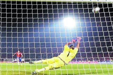 """Matías Fernández cuenta la verdad de su penal perfecto: """"La pelota entró donde nunca imaginé"""""""