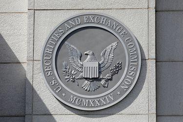 La SEC de EEUU suspende las ofertas públicas iniciales de firmas chinas hasta conocer los riesgos