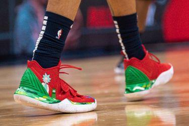 Miren las notables zapatillas dePickle Rick que lució un jugador de la NBA