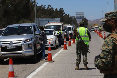 MOP: Se estima que salgan alrededor de 95 mil vehículos de la RM por fin de semana largo