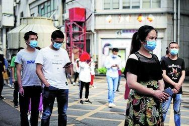 La máxima autoridad de China para el control de enfermedades acepta las críticas sobre su respuesta a la pandemia