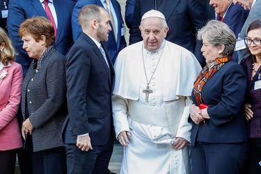 Papa Francisco reprende a directora del FMI y jefes de finanzas en imprevista aparición