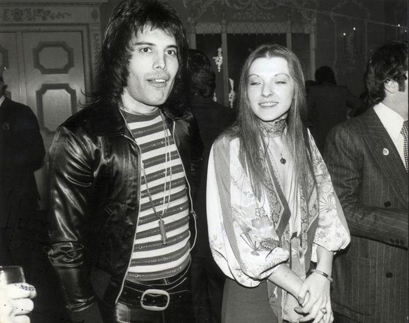 La Eterna Amistad De Freddie Mercury Y Mary Austin Despierto O Dormido Me Sentaba Todos Los Días Junto A Su Cama La Tercera