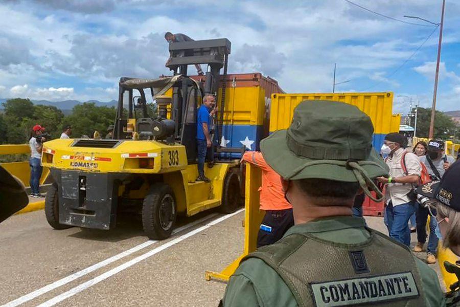 Venezuela reabre frontera con Colombia, cerrada en 2019 por conflicto Maduro-Guaidó  - La Tercera