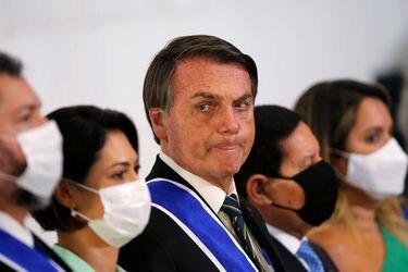 Bolsonaro descarta compra de vacuna china y tensiona relación con Beijing