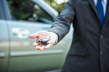 zero-dollar-future-car-keys-handing