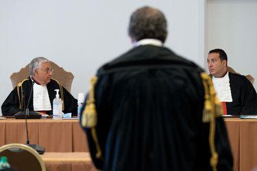 Corrupción en el Vaticano: la historia y las interrogantes del juicio al cardenal Becciu