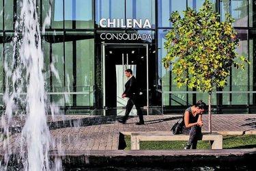 Chilena Consolidada activa mecanismo de solución de controversias del tratado entre Chile y Suiza por retiro en rentas vitalicias