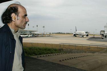 Cómo algunas personas pueden terminar viviendo en aeropuertos durante meses, incluso años