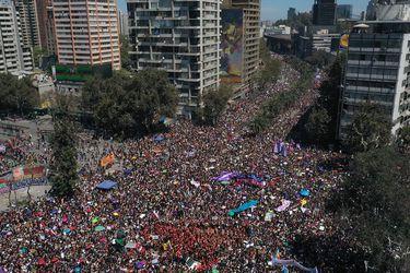 Marcha 8M: experto estima en 800 mil las mujeres asistentes a movilización