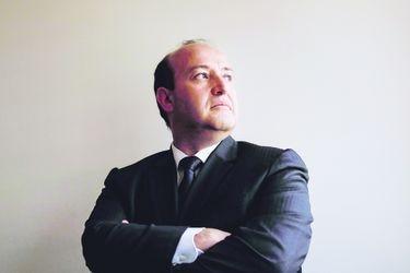 """""""Guerra contra la delincuencia"""": el frustrado arribo del exfiscal a asociación que recibe millonarios aportes de municipios investigados por la justicia"""