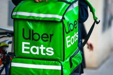 Uber Eats habilitó un número de teléfono para realizar pedidos en Santiago