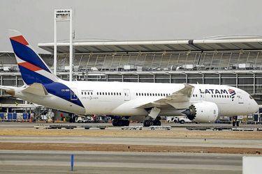Latam Airlines registra pérdidas por US$153 millones en octubre, pero mejora respecto a septiembre
