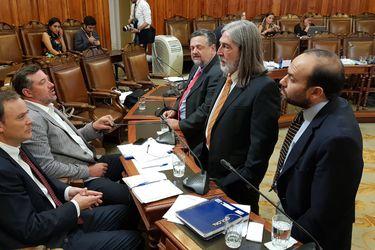 """Senador Letelier en picada contra ingreso mínimo: """"Es un proyecto muy malo, por no decir rasca"""""""