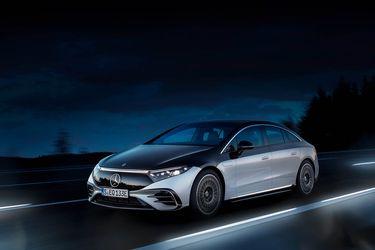 Mercedes-Benz golpea la mesa con el auto eléctrico más lujoso del mundo