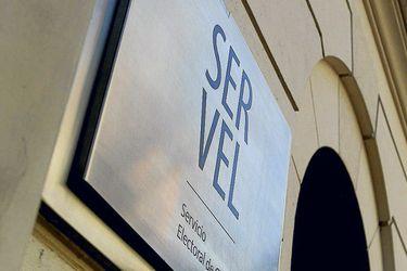 """""""Exposición desproporcionada de datos"""": Los dardos por la publicación del padrón electoral del Servel"""