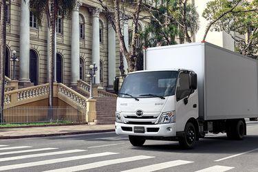 Hino renueva sus camiones Serie 300 con especial foco en la seguridad y el confort en ruta
