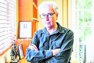 """Iván Jaksic, premio Nacional de Historia 2020: """"Introducir derechos sociales en la Constitución es un tema muy complejo"""""""