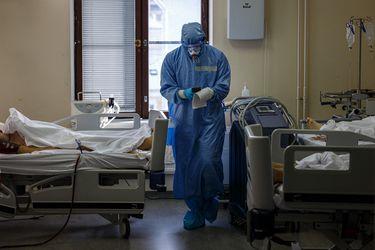Un marcador que predice el futuro: científicos descubren proteína clave que puede indicar si un paciente de Covid puede agravarse y morir