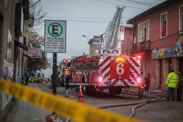 Incendio afecta cité ubicado en Estación Central: 60 personas quedaron damnificadas