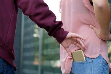 Estudio indica que hay dos veces más posibilidades de que pierdas tu celular a que te lo roben