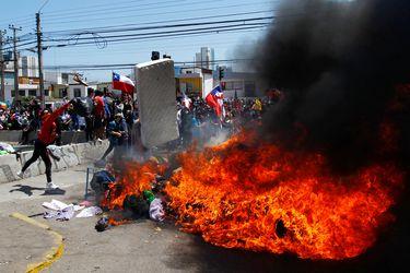 """""""Imágenes desoladoras y dolorosas"""": Candidatos presidenciales abordan marcha convocada en Iquique y critican política migratoria del gobierno"""