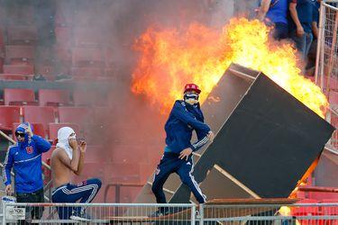 El castigo de la U por el incendio en el Nacional sigue en el limbo