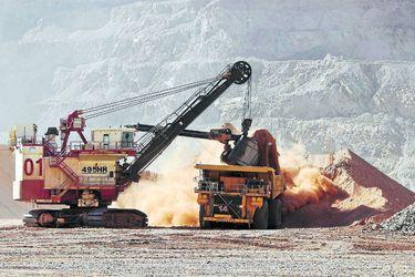 Cobre alcanza máximo en 5 meses ante crecientes preocupaciones por oferta desde Chile