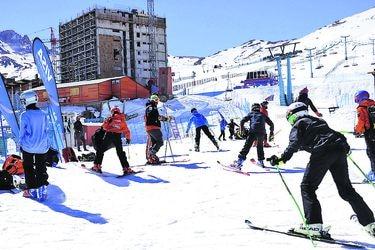 Centros de esquí abren con aforo restringido y  reserva de tickets on line