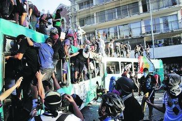 Jornada de barricadas y cortes en Metro