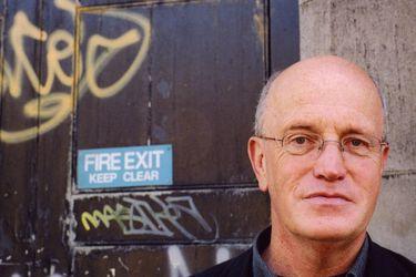"""Iain Sinclair, escritor británico: """"La irrealidad digital ha desbordado las viejas huellas de lo que es real en nuestras ciudades"""""""