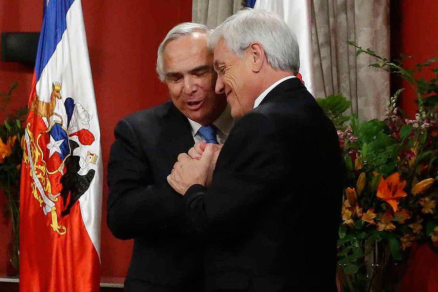 El Presidente Sebastián Piñera junto al exministro del Interior, Andrés Chadwick. Cambio de gabinete 28 de octubre de 2019.