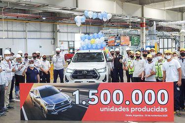 Toyota celebra las 1,5 millones de unidades de Hilux (y Fortuner) producidas en Argentina