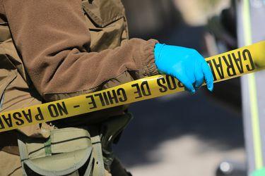 Encuentran cuerpo en auto incendiado en Peñalolén