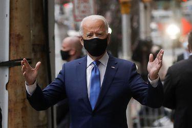 """Biden insta al Congreso de EE.UU. a aprobar un """"robusto"""" paquete de ayuda económica por la pandemia"""