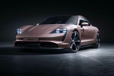 """Nueva versión al line-up: el Porsche Taycan """"a secas"""" ya está disponible en Chile"""