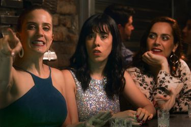 Mujeres Arriba: comedia con Natalia Valdebenito también posterga su estreno