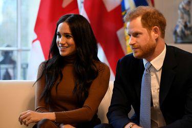 Príncipe Harry llega a Canadá tras renunciar a sus obligaciones en la monarquía británica