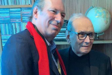 """Hans Zimmer despide a Morricone: """"Me enseñó que la melodía más simple y pura es la más difícil de escribir"""""""