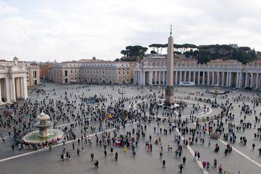 La pandemia marca la ceremonia en Vaticano para la investidura de 13 cardenales