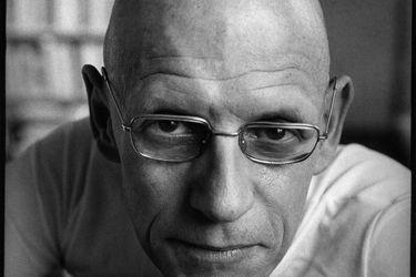 """James Miller, biógrafo: """"Michel Foucault desafía los límites  entre la razón y la locura, entre el bien y el mal"""""""