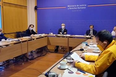 """""""El INDH no se deja amedrentar"""": El cara a cara de Micco y el director de la PDI tras desestimarse un centro de tortura en Baquedano"""