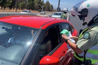 Vacaciones en pandemia: MOP registra 56% menos de vehículos en los peajes del país