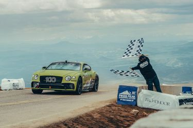 Continental GT Breaks Record at Pikes Peak (1) (1)