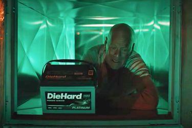 Duro de Matar: Bruce Willis volvió a interpretar a John McClane en un comercial de baterías para autos