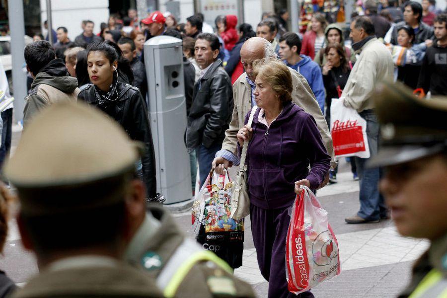 gente paseo ahumada personas