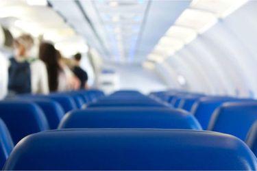 ¿Pueden aerolíneas obligar a un pasajero a bajar del avión por estar enfermos?