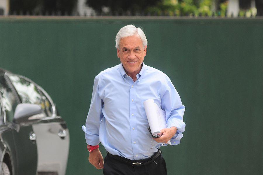 Sebastian Piñera habla en su comando